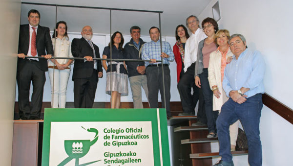 fotografía de la nueva junta de Gobierno Colegio Oficial de Farmacéuticos de Gipuzkoa