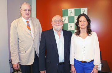 De-izquierda-a-derecha-Ángel-Garay,-Miguel-Ángel-Gastelurrutia-y-Usua-Cilveti.--rp-consigue-seguimiento-farmacoterapeutico-a-pacientes-cofg_original
