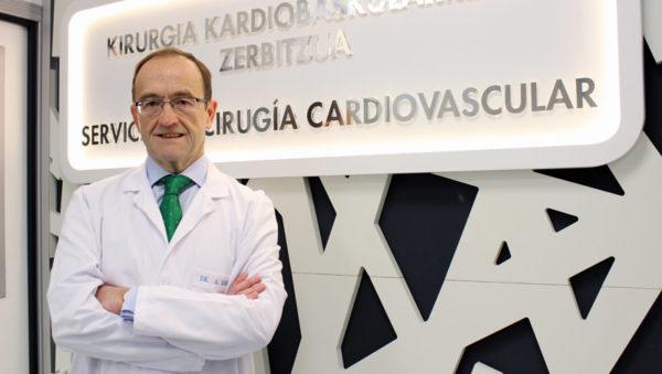 fotografía del cirujano cardiovascular Alberto Sáenz