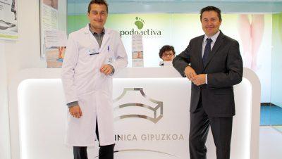 fotografía de los podólogos de la Unidad del Pie. De izquierda a derecha Javier Alfaro y Víctor Alfaro