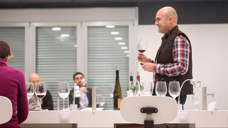 Bodegas Emotion Cata-a-Enólogos-y-profesores-de-la-Universidad-de-La-Rioja1