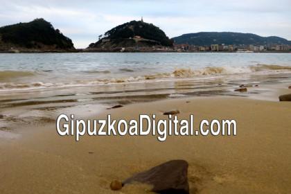 800-Foto-GipuzkoaDigital.com-©-644-Las-piedras-de-la-playa-de-Ondarreta