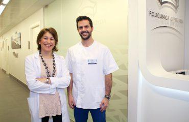 fotografía de la Dra Laura Quintas y el fisioterapeuta Javier Muñoz