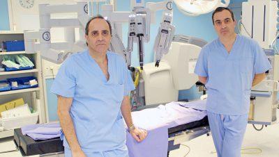 Fotografía de los urólogos Josean Rodríguez y Gregorio Garmendia