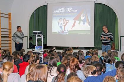 FOTO: Otro de los momentos del Desayuno Cardiosaludable celebrado en el Colegio Summa Aldapeta de Donostia.