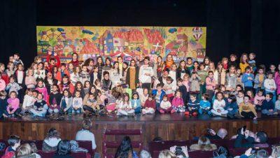 COEGI Navidad 2017 FOTO de familia de la fiesta organizada por el COEGI y celebrada esta mañana en el Teatro Victoria Eugenia de San Sebastián.