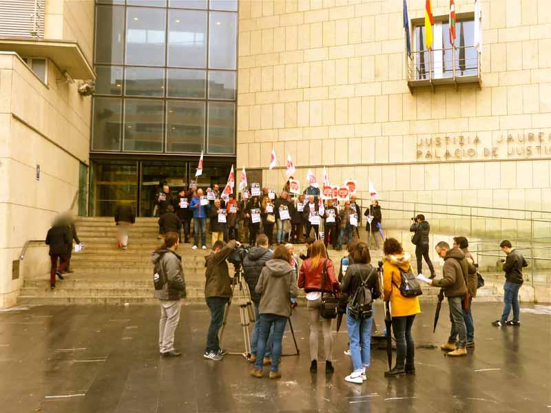 Stop Desahucios Gipuzkoa Foto GipuzkoaDigital.com Donostia San-Sebastián