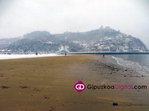 Donostia-San-Sebastián-Nevada-28-2-2018-Las-Piedras-de-la-Playa-de-Ondarreta