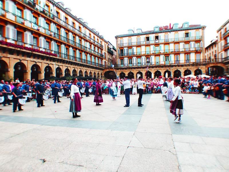 Donostia San Sebastián31 de JulioParte ViejaTamborradaAmaikak Bat, San Ignacio