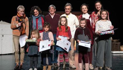 Foto de familia de los premiados en la fiesta infantil organizada por el COEGI.