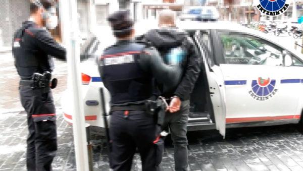 homicidio con arma blanca cometido sobre las 6 horas de la mañana del pasado 14 de marzo en el parque infantil ubicado en la Plaza Cataluña del barrio de Gros