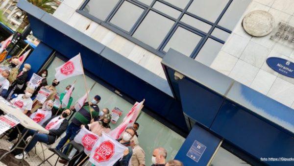 Kaleratzeak STOP Desahucios Donostia FOTO https://GipuzkoaDigital.com
